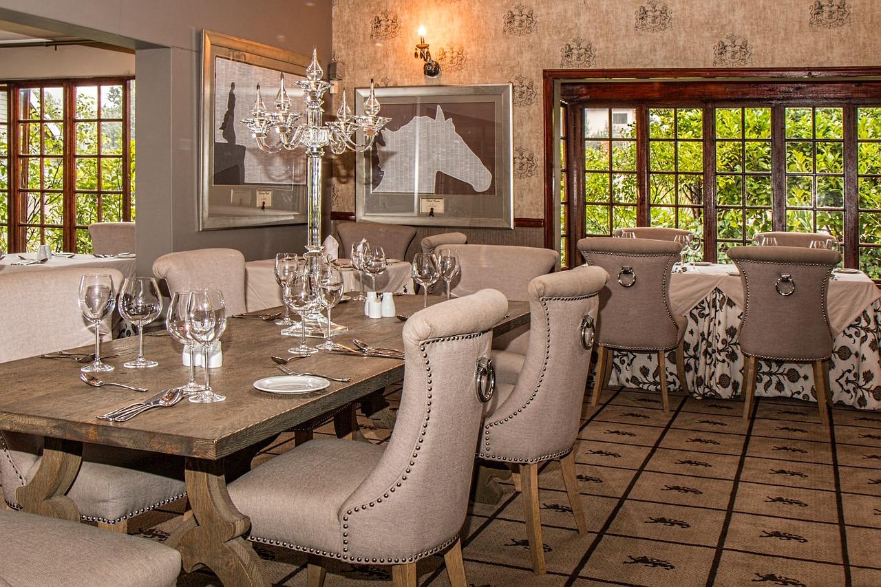 Jaki wybrać stół do jadalni? Designerskie ekskluzywne stoły do jadalni