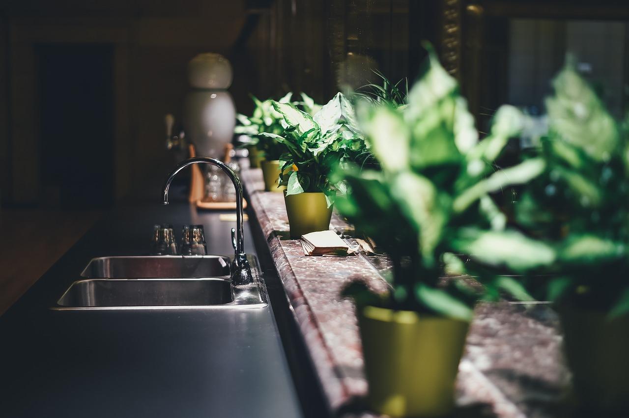 Fabryka mebli. Meble kuchenne  aranżacje kuchni – jakie wybrać?